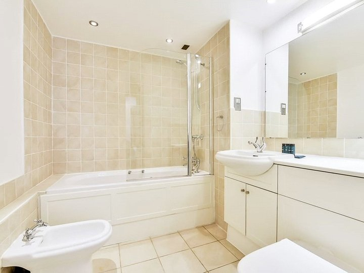 2 bedroom apartment to rent Brook's Mews, Marble Arch, London, W1K slide5