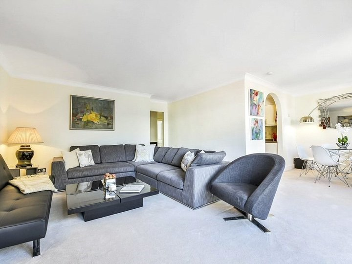 2 bedroom apartment to rent Brook's Mews, Marble Arch, London, W1K slide2
